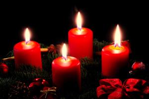 Pomoc s výrobou adventních věnců a svícnů k prodeji na jarmarku @ Fara | Benešov | Středočeský kraj | Česko