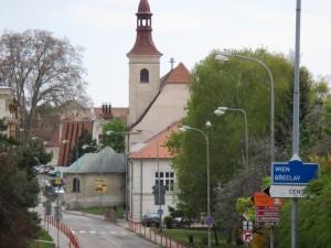 Bývalá piaristická kolej v Mikulově s kostelem sv. Jana Křtitele.