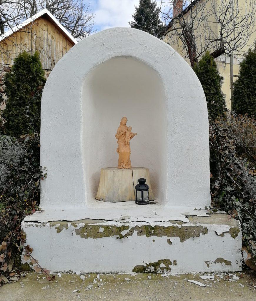 Mše (u kapličky na farní zahradě) @ Kaplička na farní zahradě | Benešov | Středočeský kraj | Česko